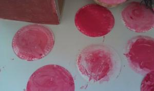 Τα πιατάκια που έβαψαν τα παιδιά